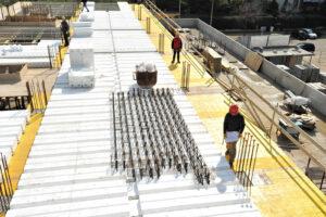 Montaggio trave MTR® T - Struttura miste acciaio calcestruzzo - Solaio predalles